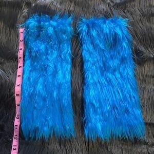 Accessories - NEW blue faux fur leg warmers